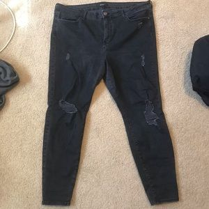 Black Forever 21 Ripped Jeans (18)